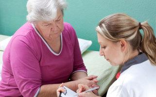 woman availing kidney screening